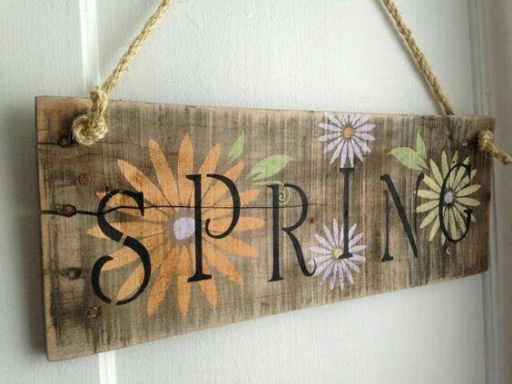 bảng hiệu gỗ phong cách châu âu.jpg